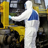 Защитная одежда сварщиков, дорожников, нефтянников и от дождя.