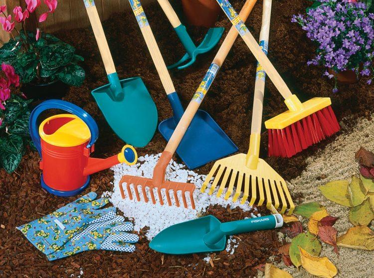 лопаты, грабли, швабры